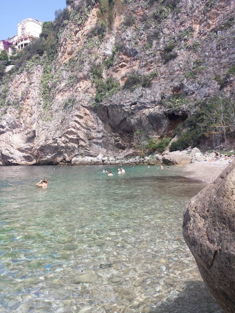 Cap d'ail ( カップダイユ)のビーチ