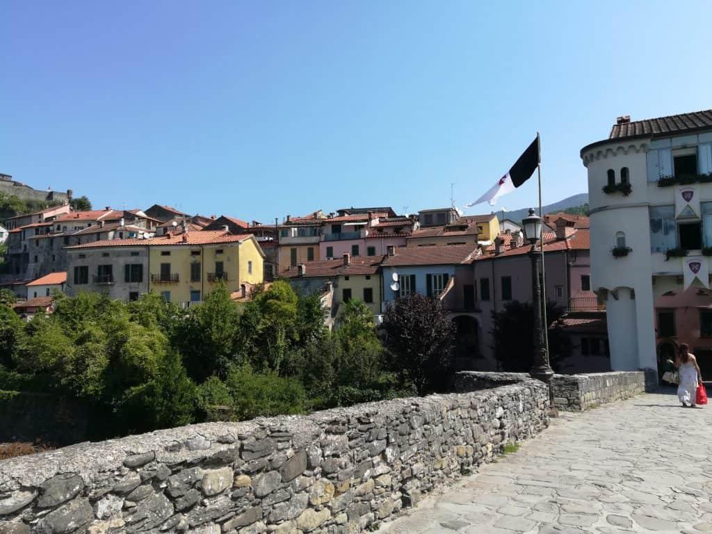 トスカーナの小さな街ポントレーモリ(Pontremoli)