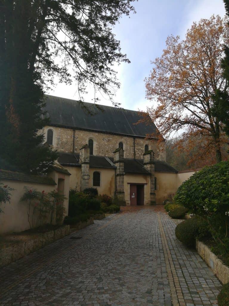 ドン・ペリニヨン(Dom Pérignon)の発祥の地、墓