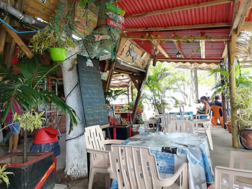 グアドループの素朴な街ムール(Moule)