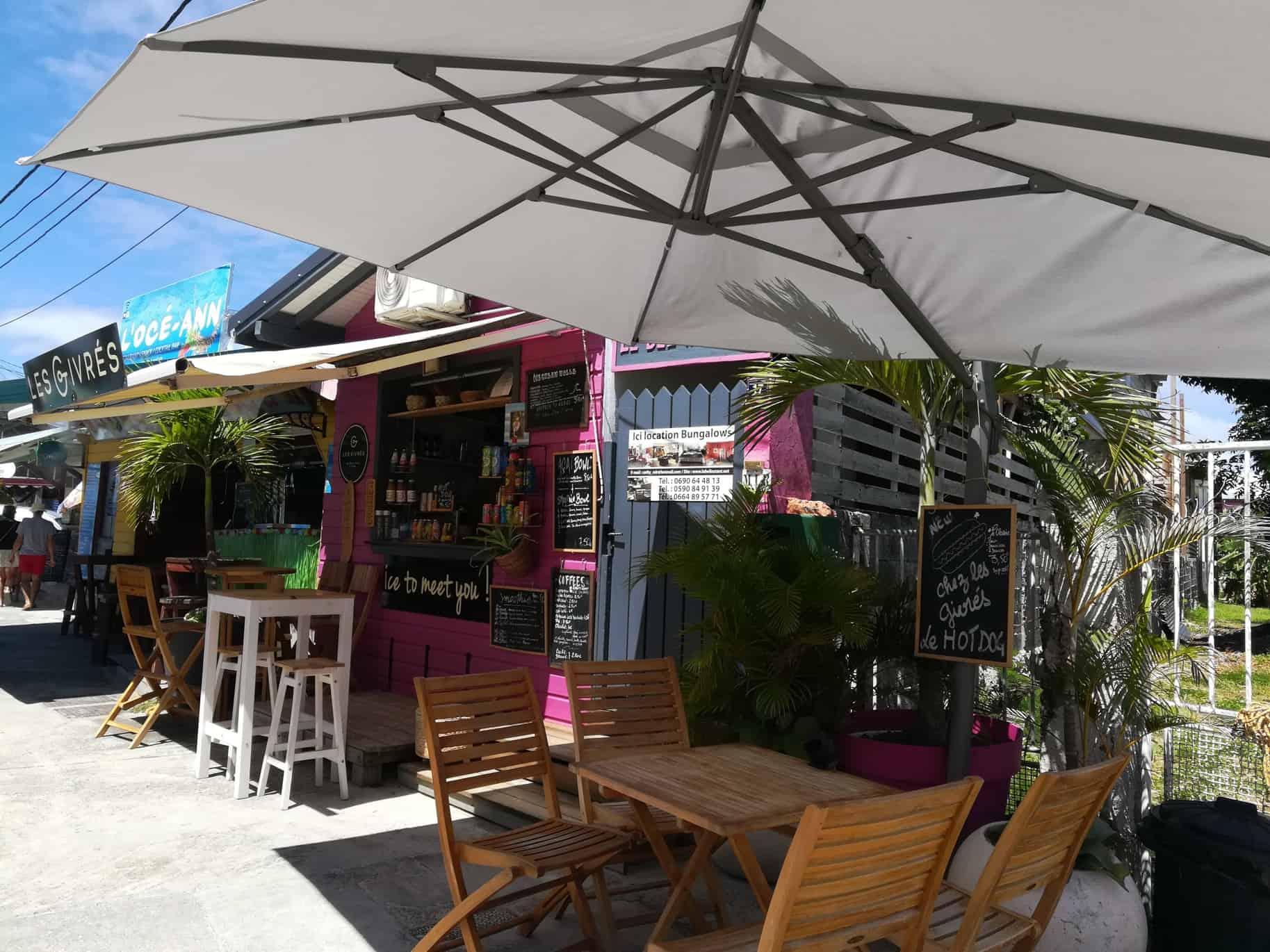 フレンチカリブグアドループのリゾート街サンタンヌ