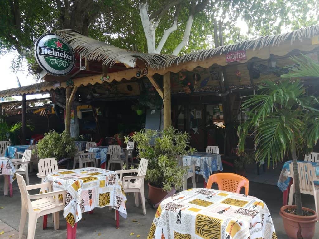 フレンチカリブグアドループの素朴な街ムール(Moule)