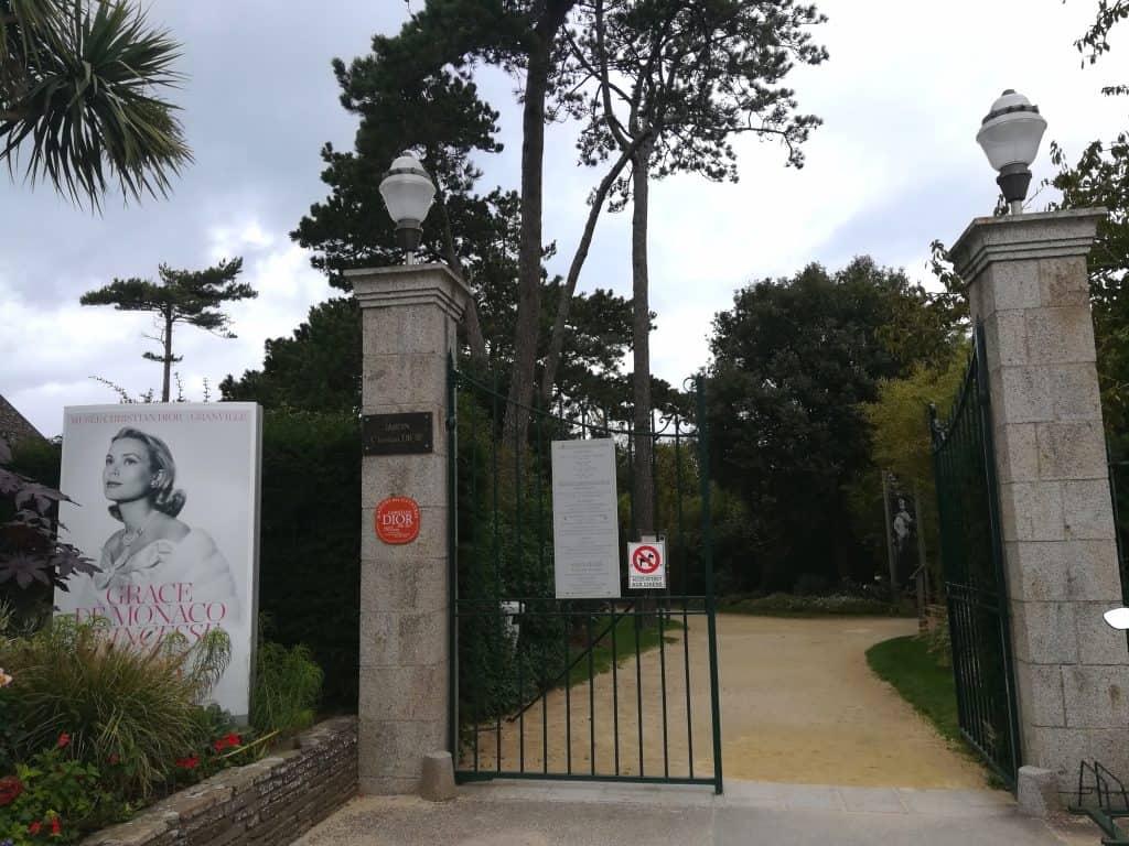 グランヴィルクリスチャンディオール美術館グレースケリー展