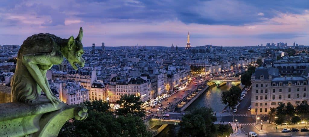 移動制限解除のフランス