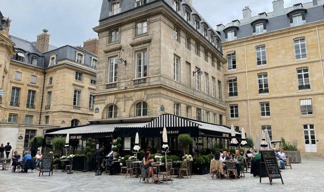 パリで過ごす1日